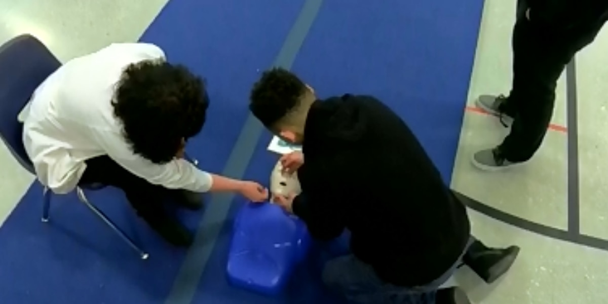 More than 400 students taught CPR