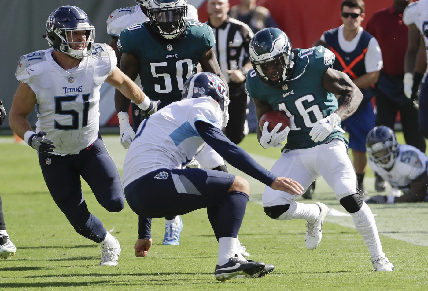 Jake Elliott Eagles Kicker >> Mariota outduels Wentz as Titans edge Eagles 26-23 in OT