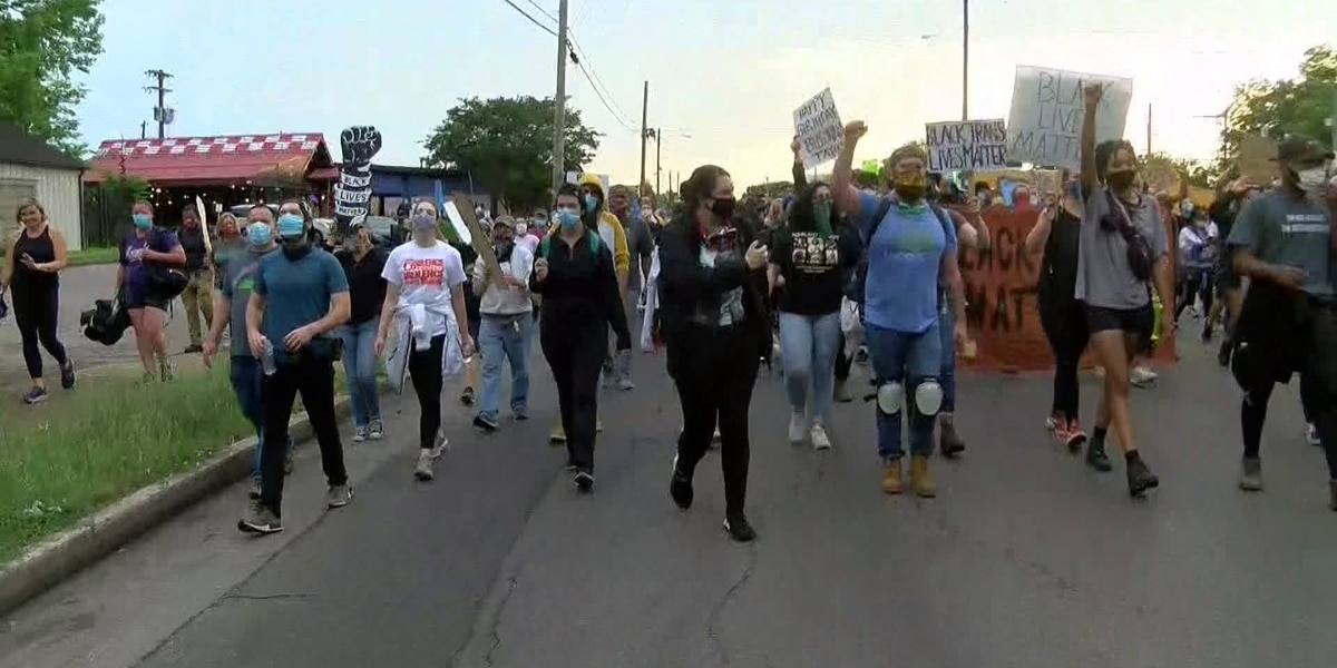 WATCH: Demonstrators march through Midtown Memphis protesting racial injustice