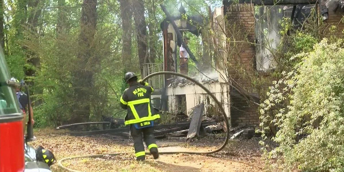 Vacant Frayser house destroyed by fire