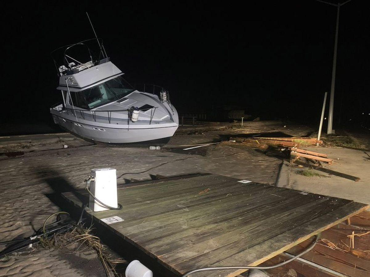 Zeta batters Southeast after swamping Gulf Coast; 6 dead