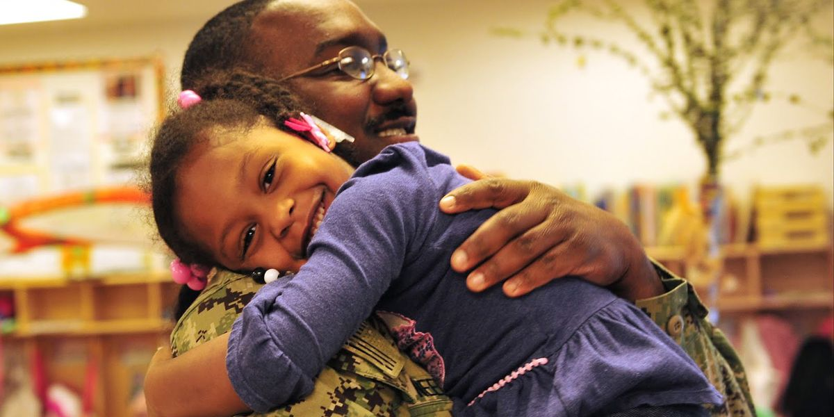 Memphis-area sailor surprises daughter after year-long deployment