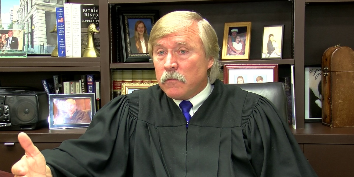 Shelby County judge reprimanded over controversial Facebook posts