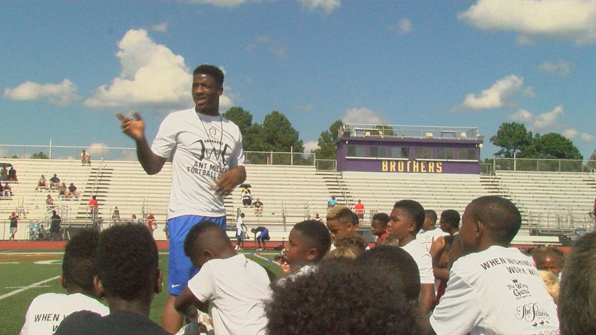 Anthony Miller returns to Memphis to host youth football camp