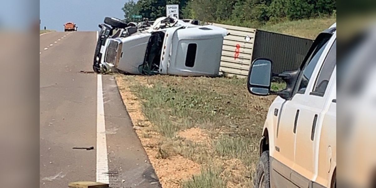 Backhoe driver airlifted to Memphis hospital after crash with 18-wheeler in Benton County