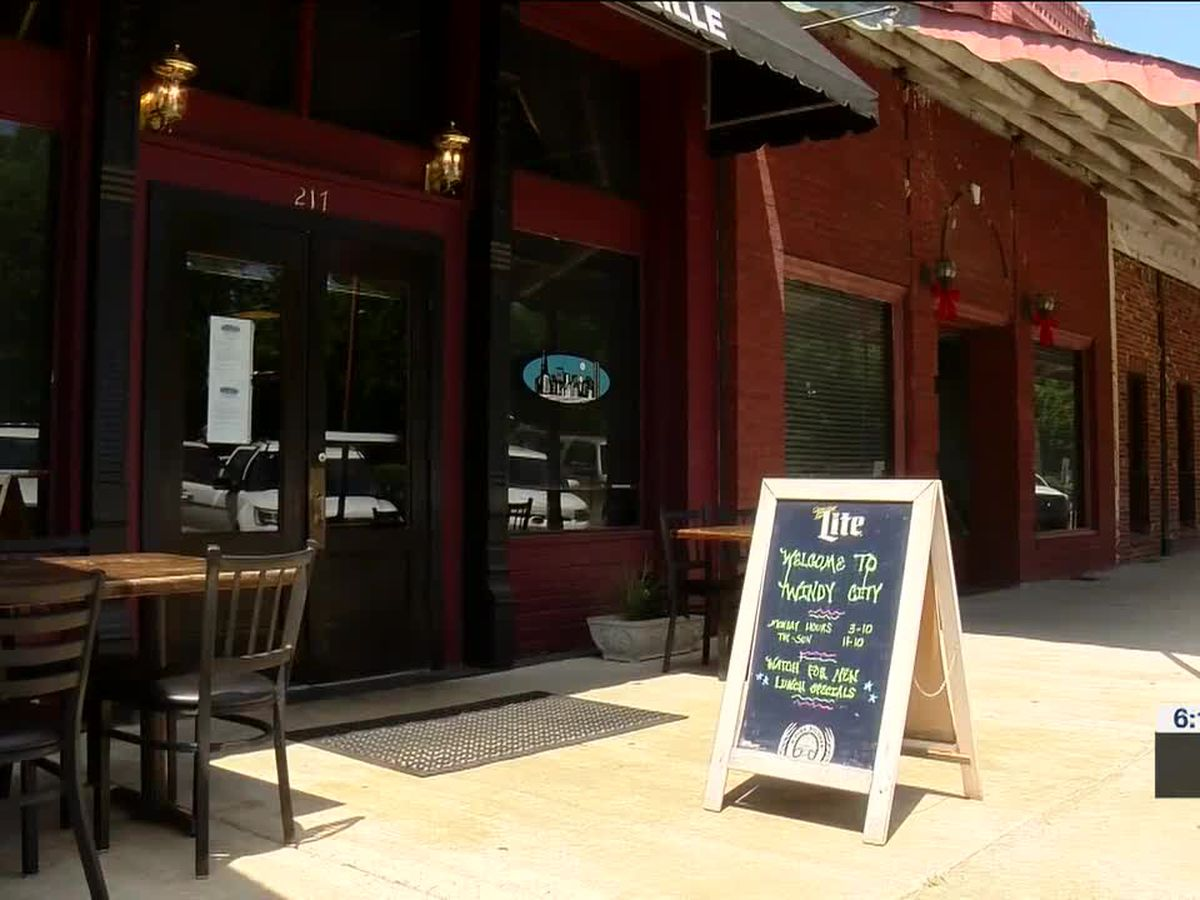 Short staffed restaurants prepare for potential summer rush