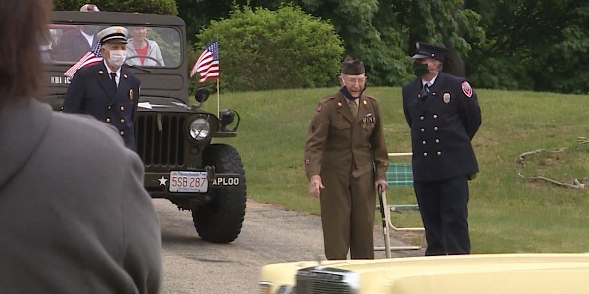 Community surprises WWII vet with parade outside home on Memorial Day