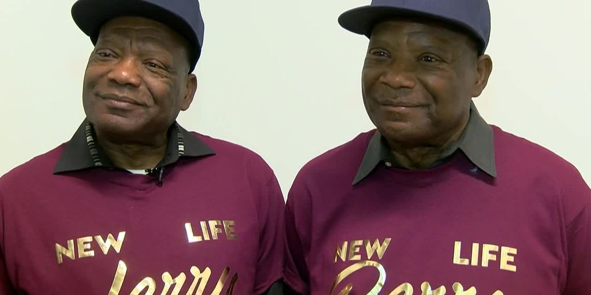 Twins celebrate the holidays together dialysis-free after kidney transplants