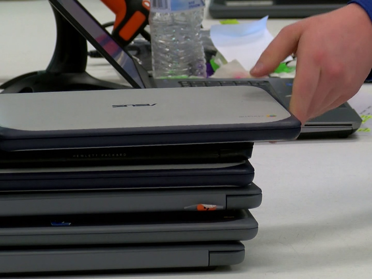 West Memphis School District continues digital device distribution