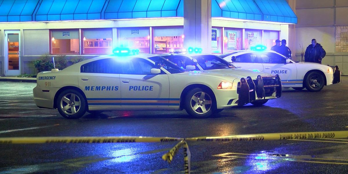 Shootout ensues after robbery attempt in IHOP parking lot