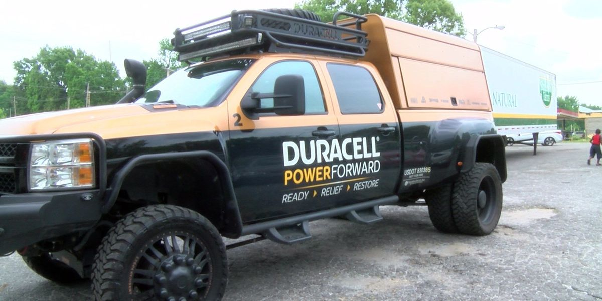 Duracell passes out batteries and flashlights to storm victims