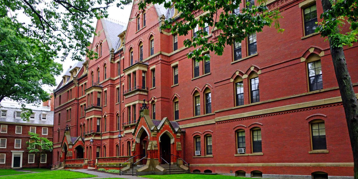 Harvard students to hold black-only graduation