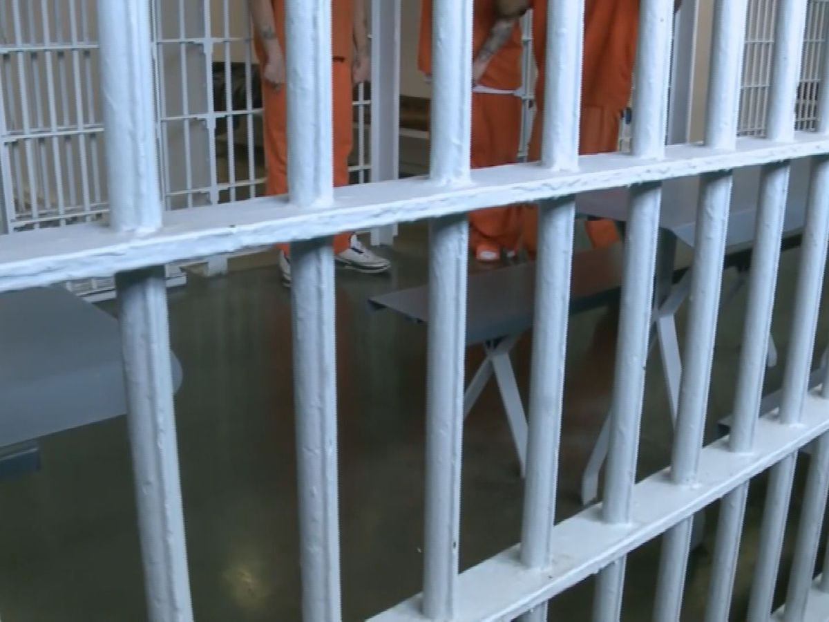 Inmate dies after being taken to the hospital from Miss. prison