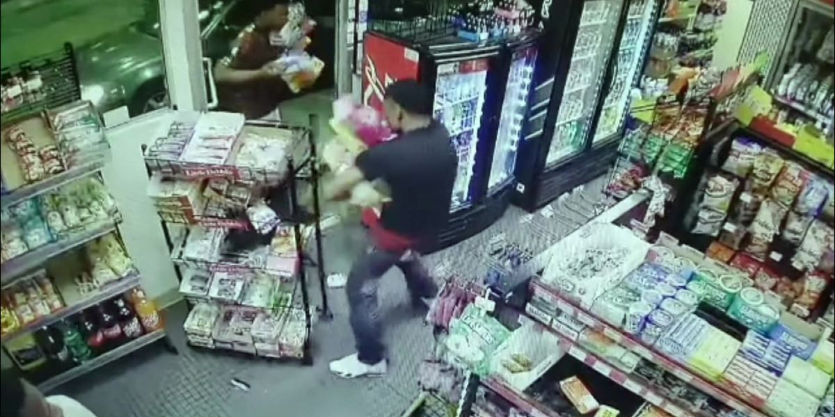 Snack bandits threaten clerk, police say