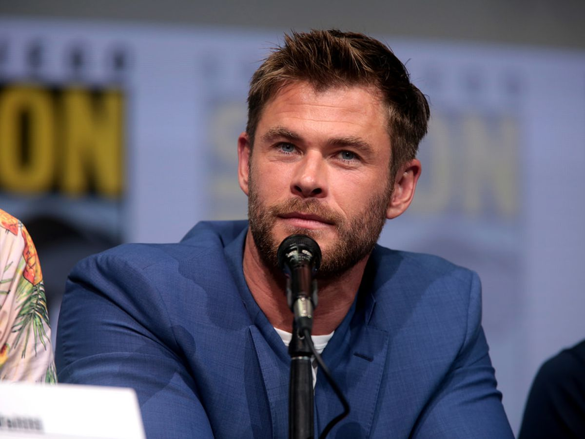 Chris Hemsworth to star as Hulk Hogan in biopic