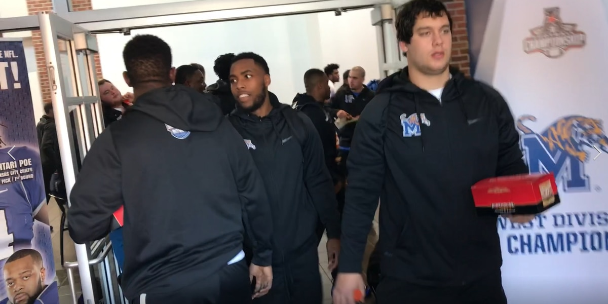 Tigers leave Memphis for Saturday's Birmingham Bowl