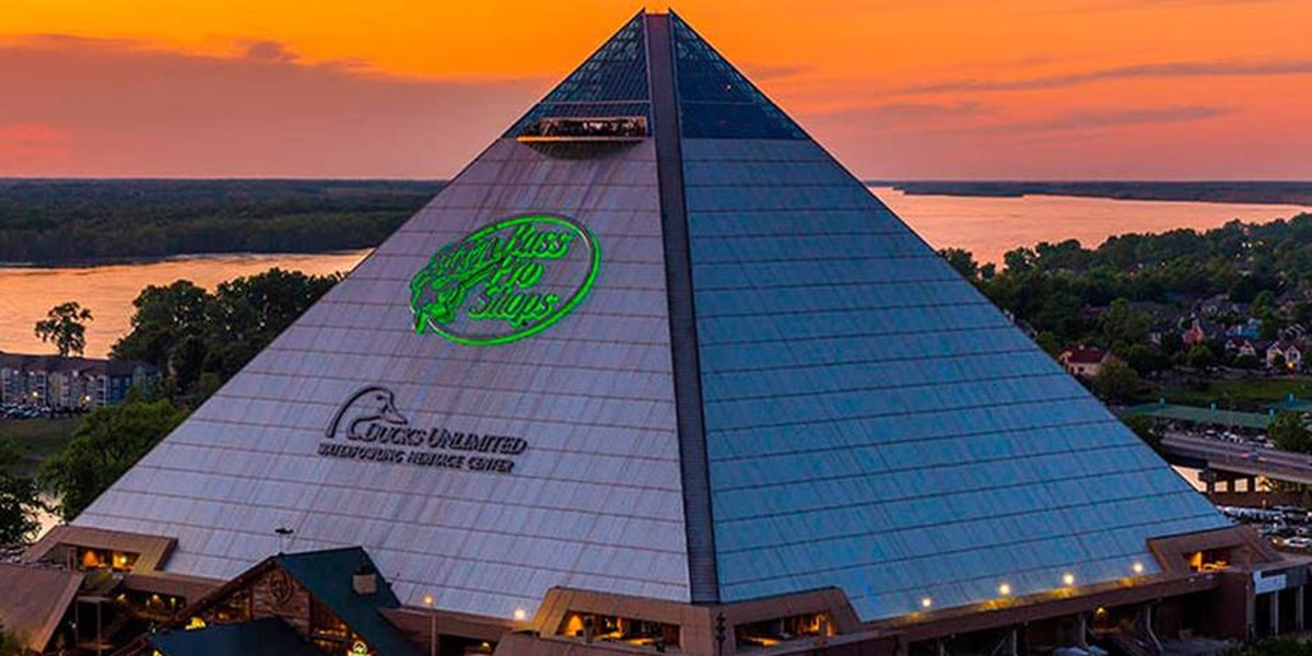 5 Star Stories: Bass Pro Shops at the Pyramid -- a 535,000-square-foot outdoorsman's paradise