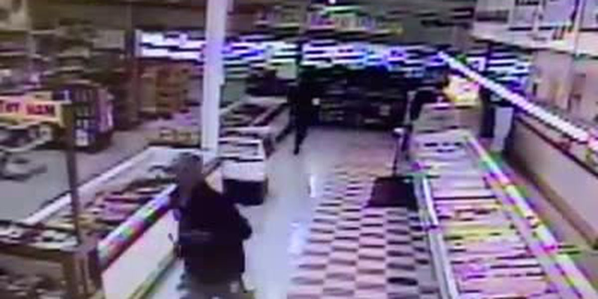 Men cut hole in wall of Memphis grocer before attempting to steal tobacco products