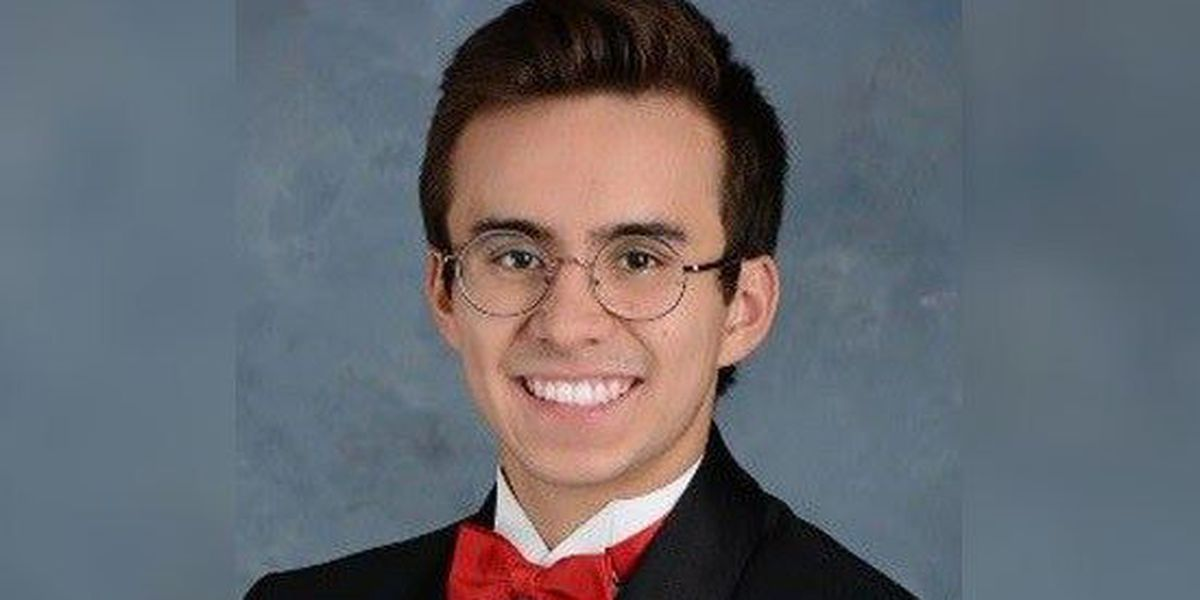 Valedictorian accepted to 5 Ivy League schools, plans to be an astronaut