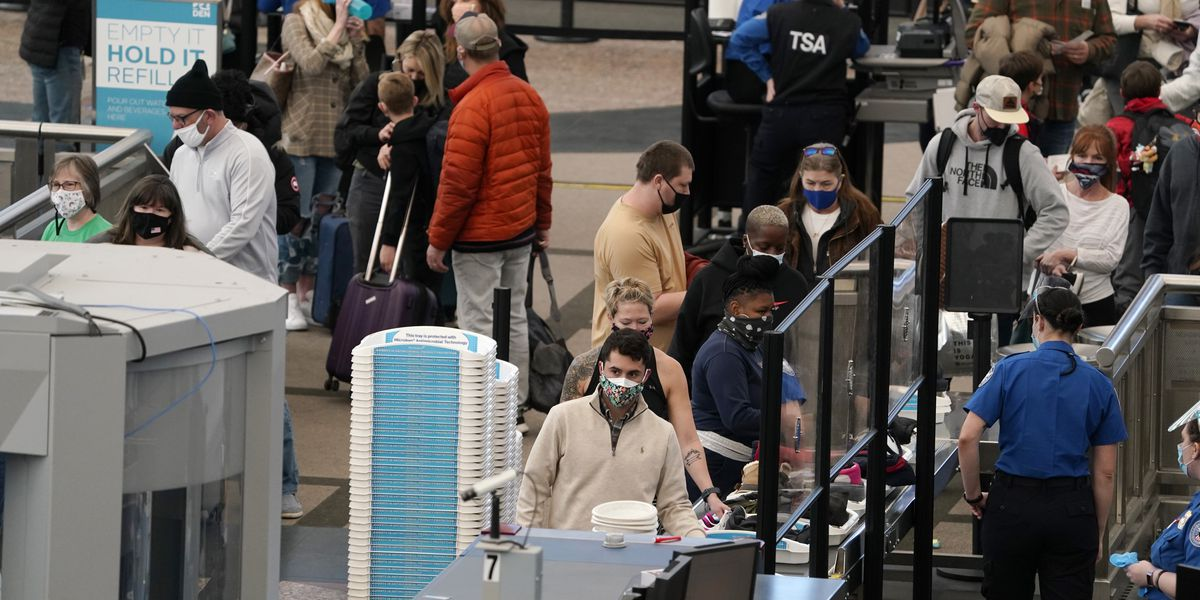 Airlines plan to ask passengers for contact-tracing details