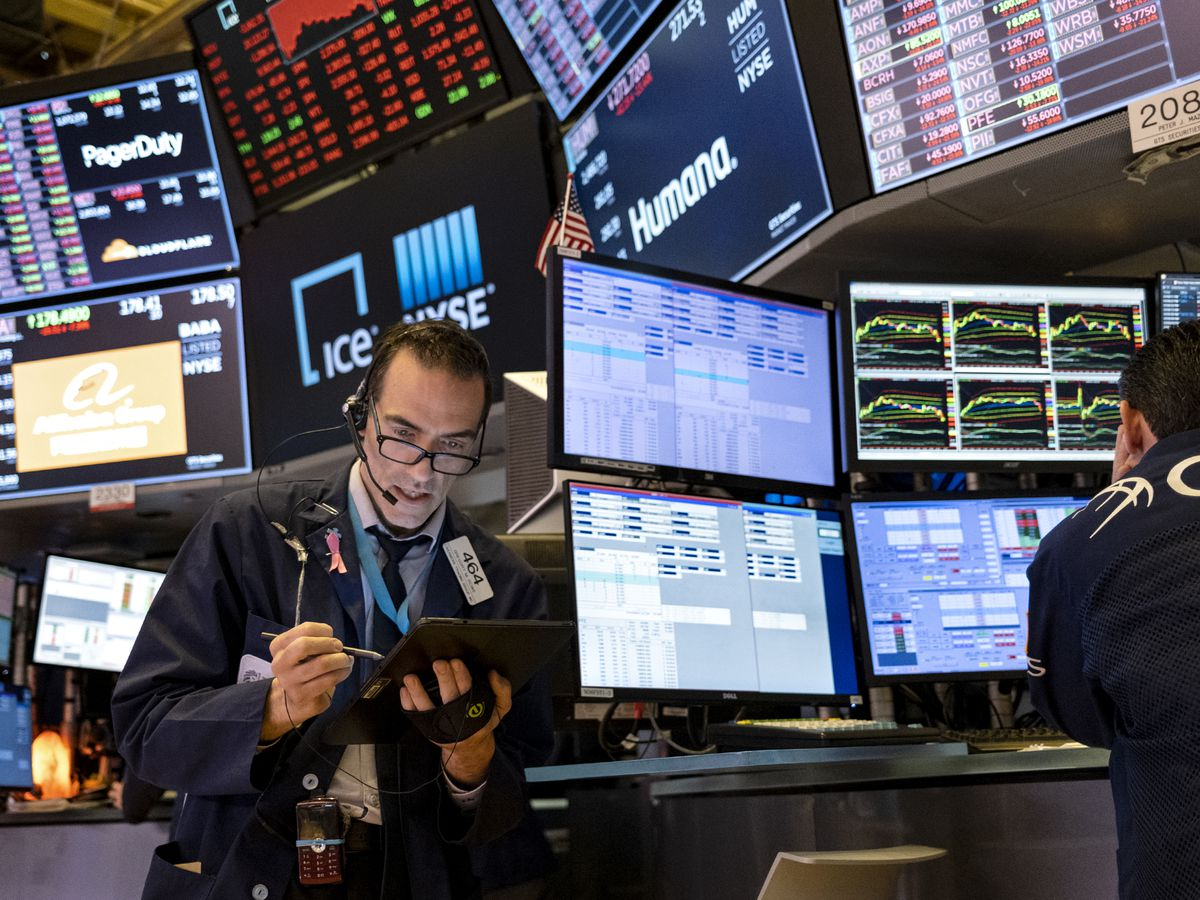 Stock rout deepens; S&P 500 drops nearly 3%, Dow down 800