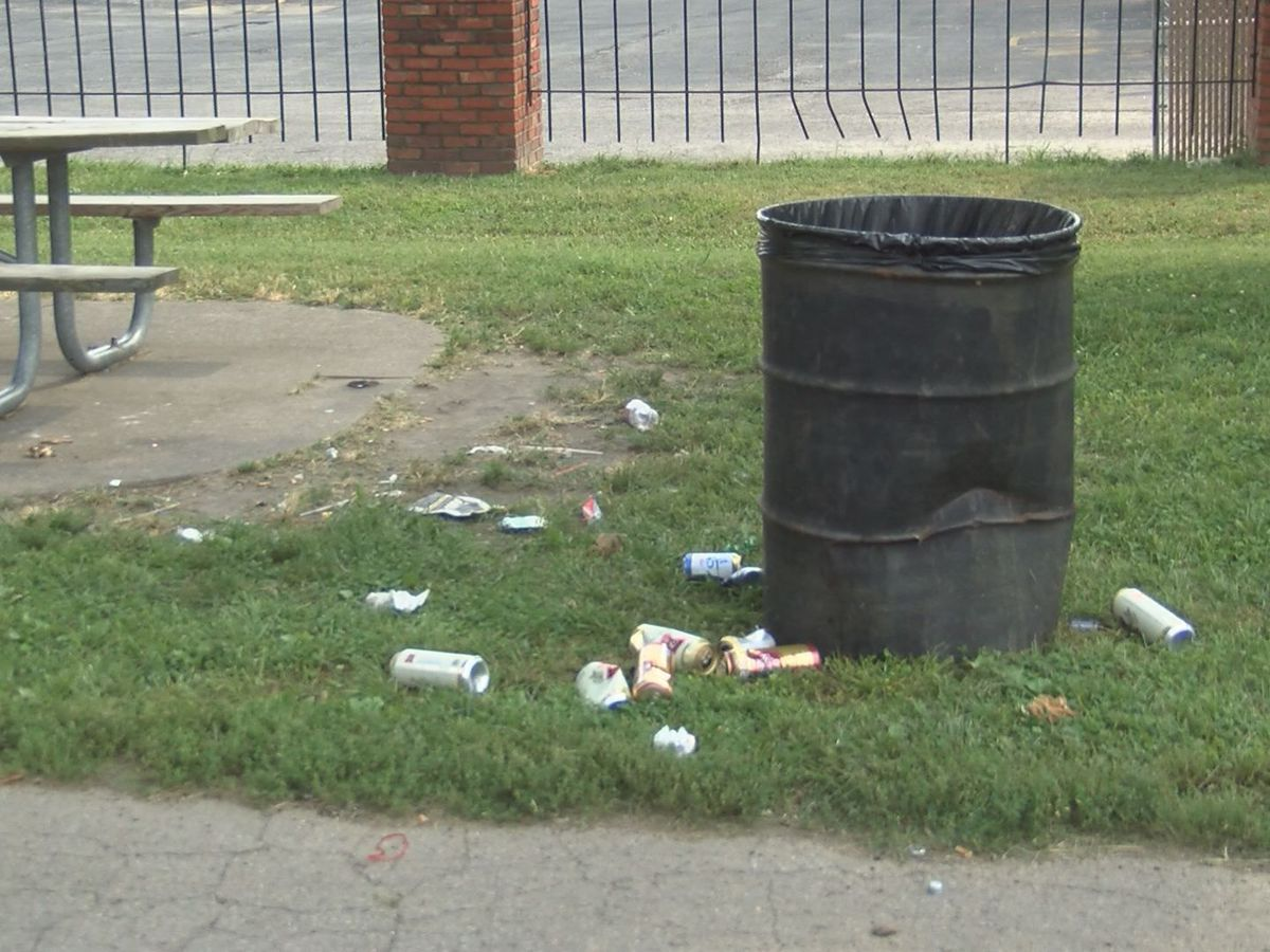 Memphis Athletics, Nobody Trashes Tennessee team up for Blue & Gray Cleanup Day
