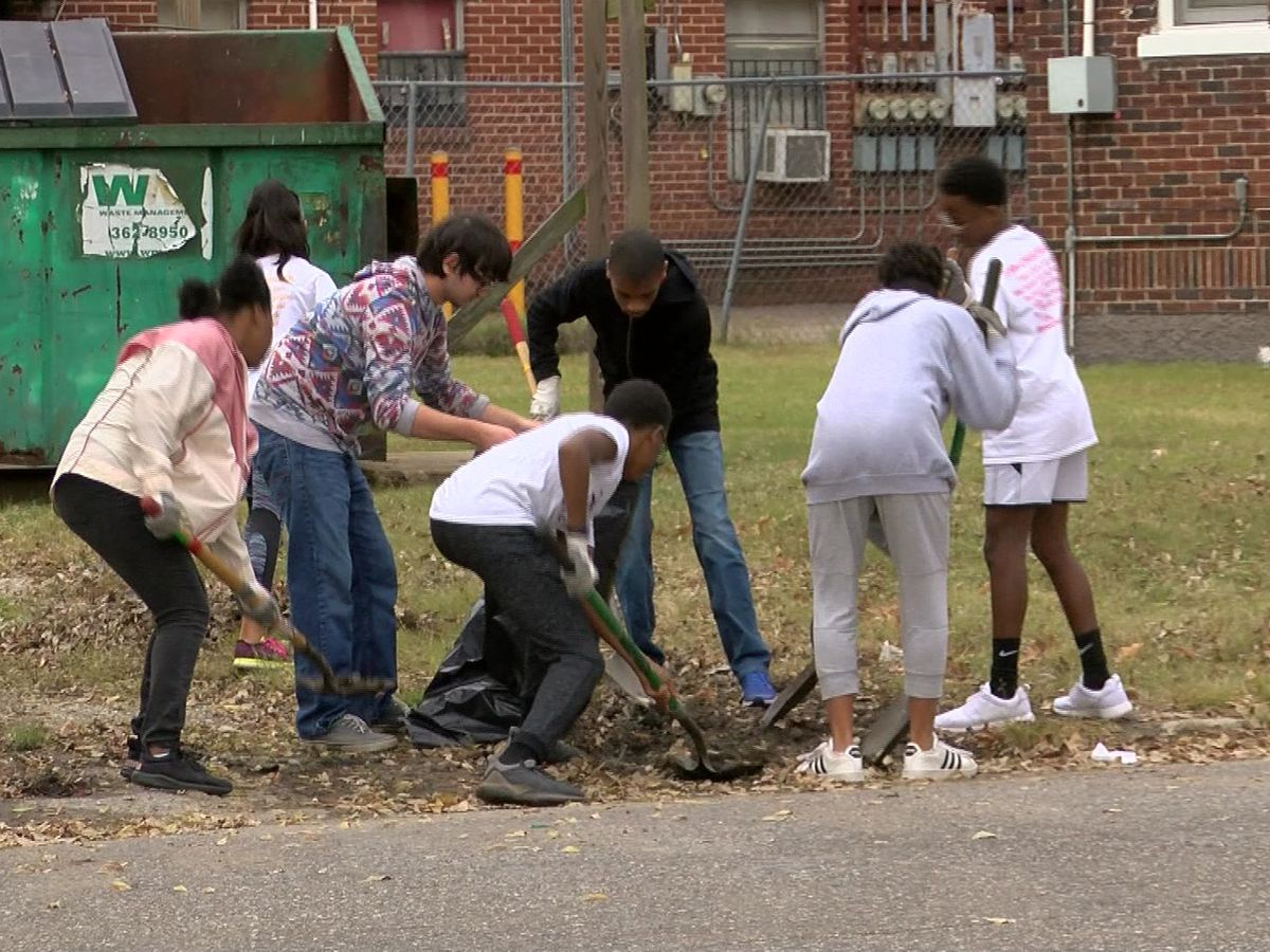 Young volunteers clean up Medical District