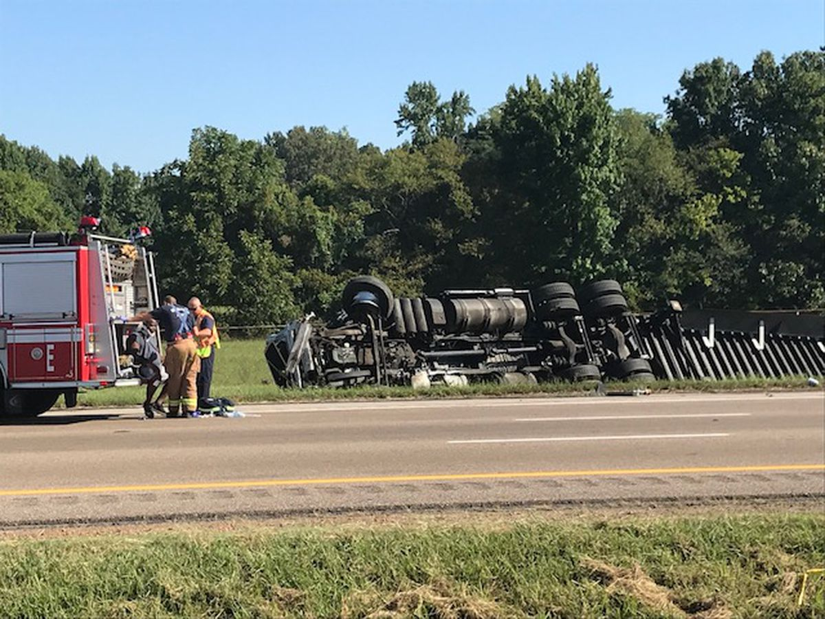 Fuel tanker overturns on I-55