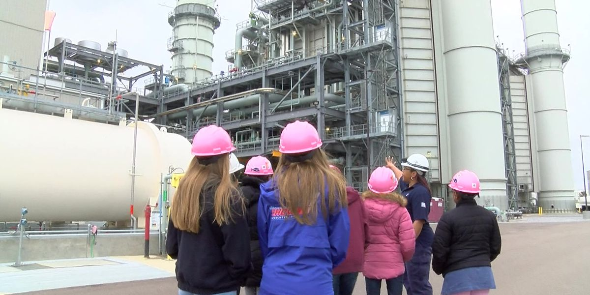 Tennessee Valley Authority educates girls on STEM careers