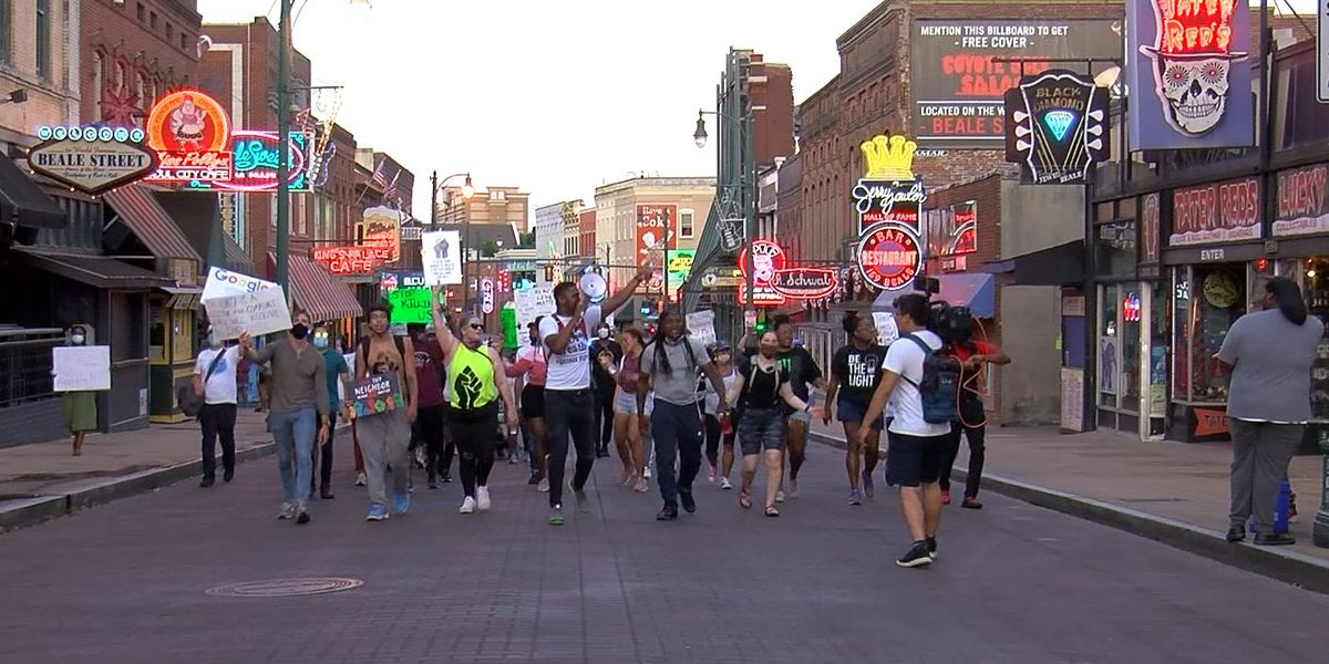 Memphis Deaf Community joins march in support of social justice in Downtown Memphis