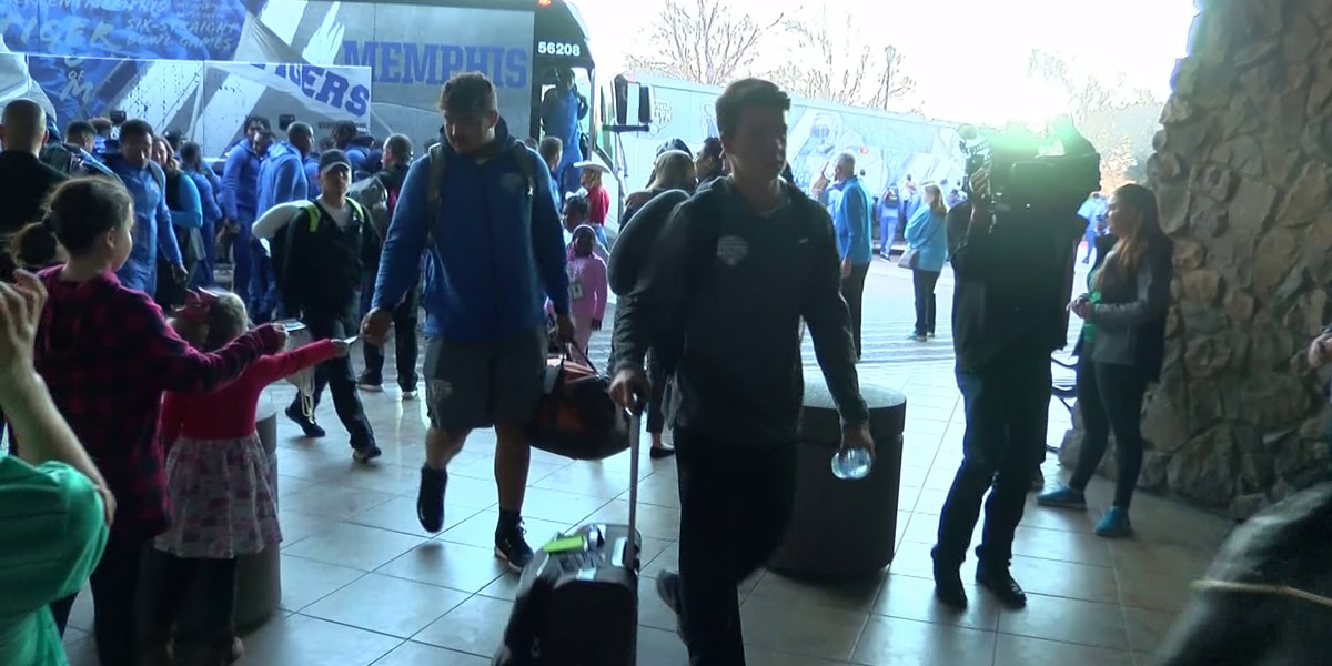 Memphis Tigers arrive in Texas ahead of Goodyear Cotton Bowl Classic