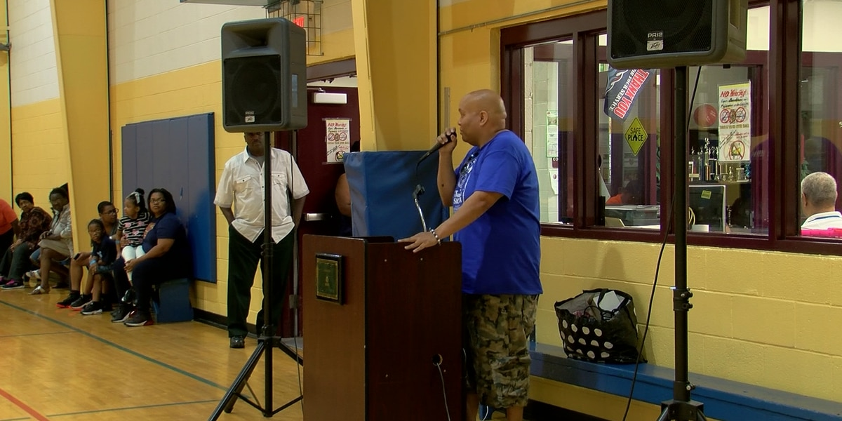 Hollywood Community Center hosts back to school celebration
