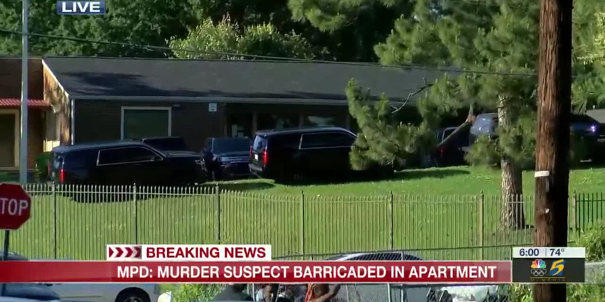 MPD: Murder suspect barricaded in apartment
