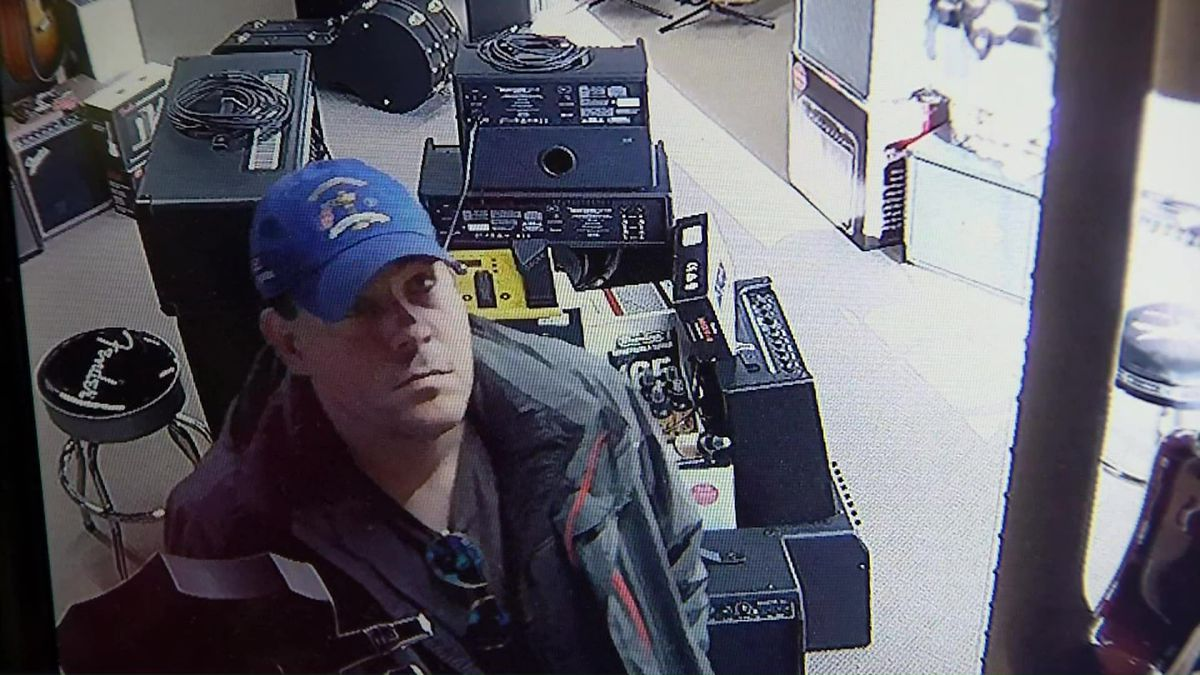 nashville music store thief caught on camera hiding stolen guitar in his pants. Black Bedroom Furniture Sets. Home Design Ideas