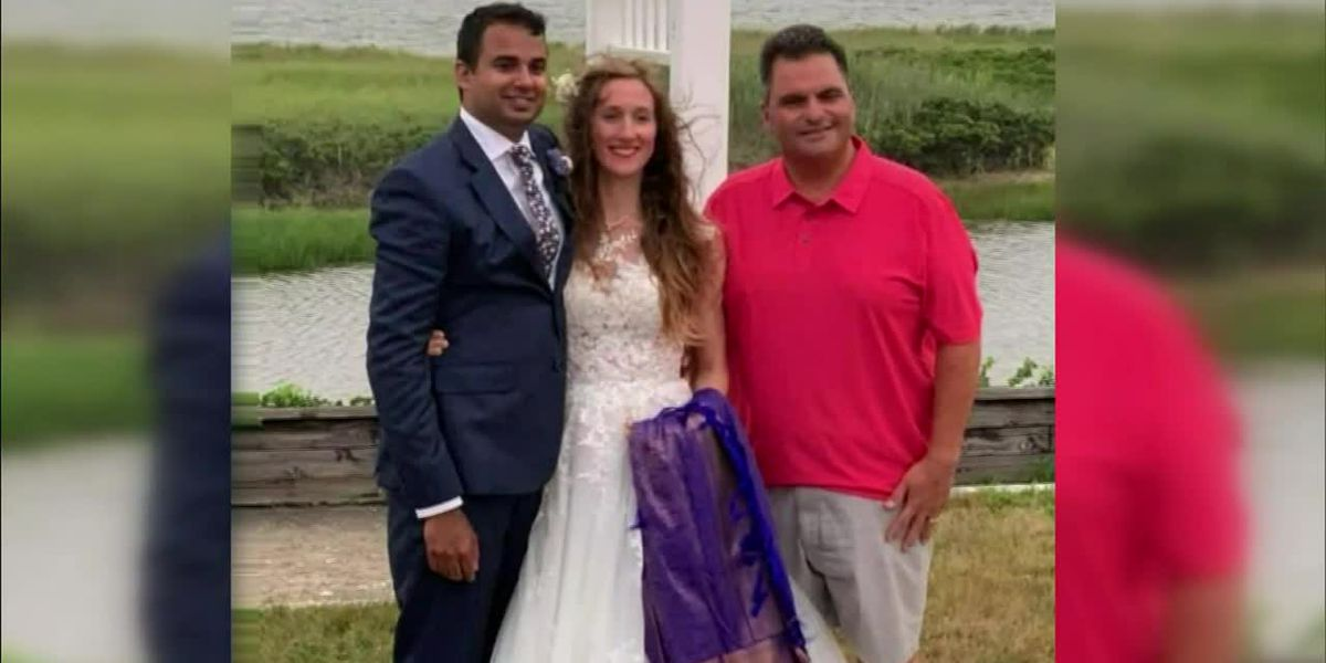 Vacationing Mass. mayor steps in to save wedding