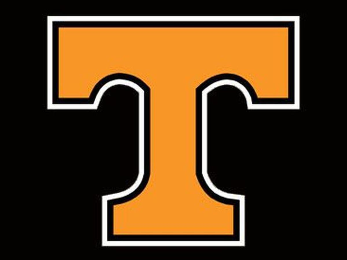 Tennessee blows big lead, rallies for 83-77 OT win over Iowa