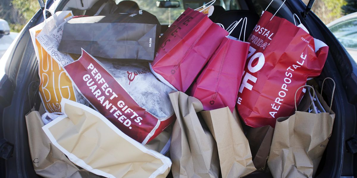 Holiday shoppers, beware of these three identity theft risks