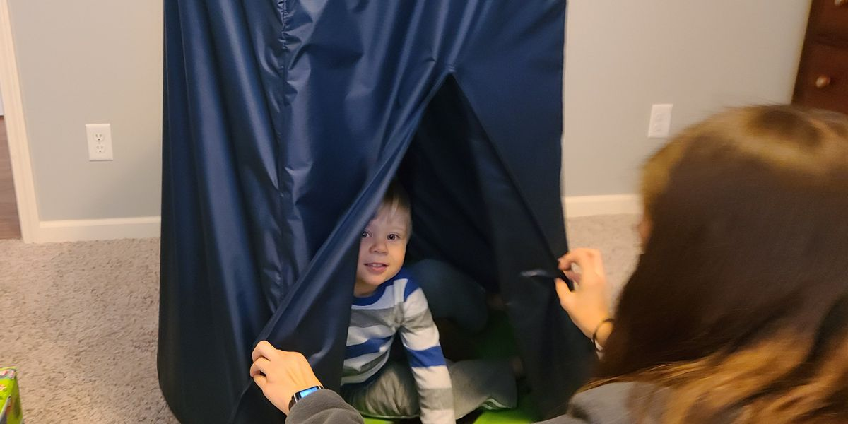 Tenn. mechanical engineering students build sensory swing for 2-year-old with autism