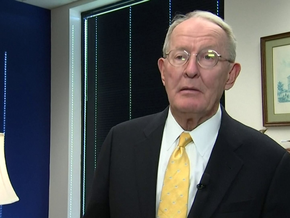 'No one should be surprised' Sen. Lamar Alexander says he will consider Pres. Trump's candidate to replace Justice Ginsburg