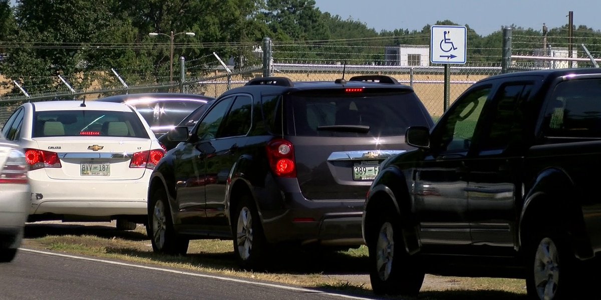 Stalled road widening leaves Whitehaven students stuck in traffic