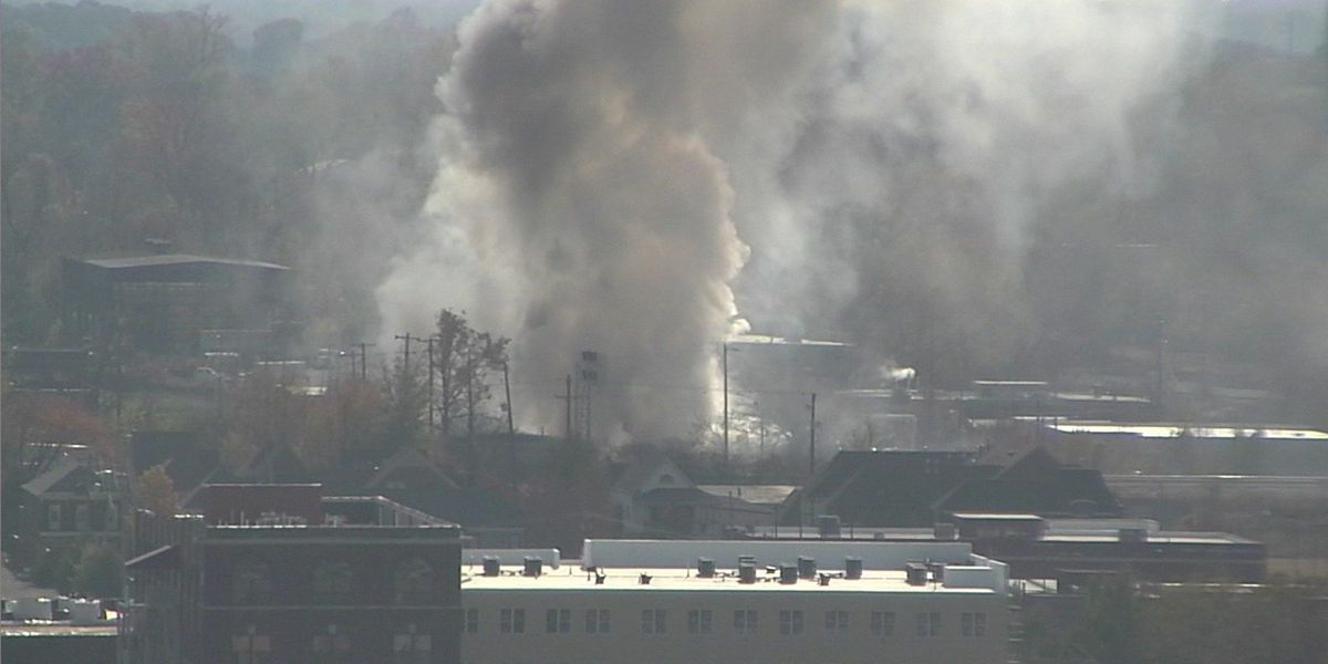 Towing company catches fire in Downtown Memphis