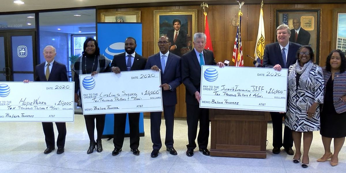 AT&T donates $10,000 to three Memphis non-profits
