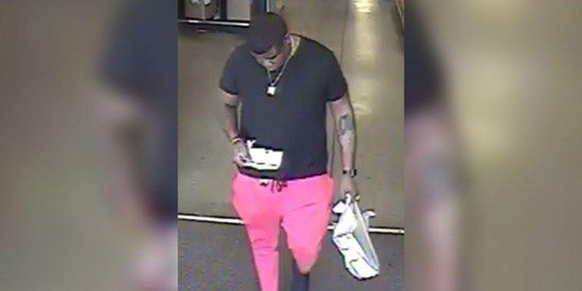 Man uses fake credit card at Mid-South Kroger