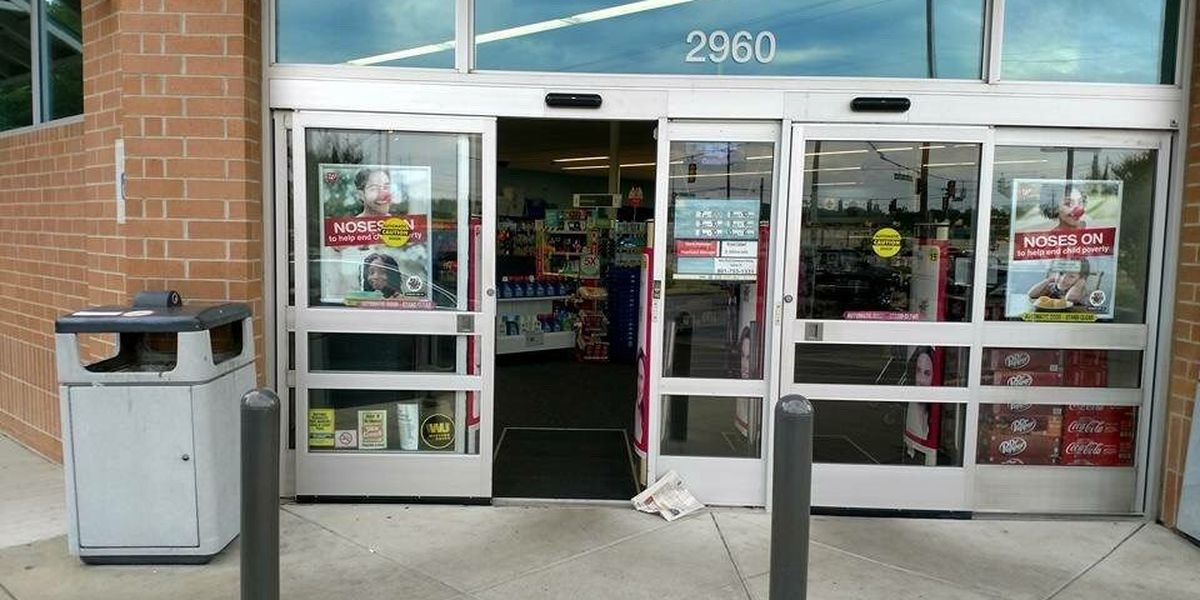 Suspects wanted for Lakeland Walgreens burglary
