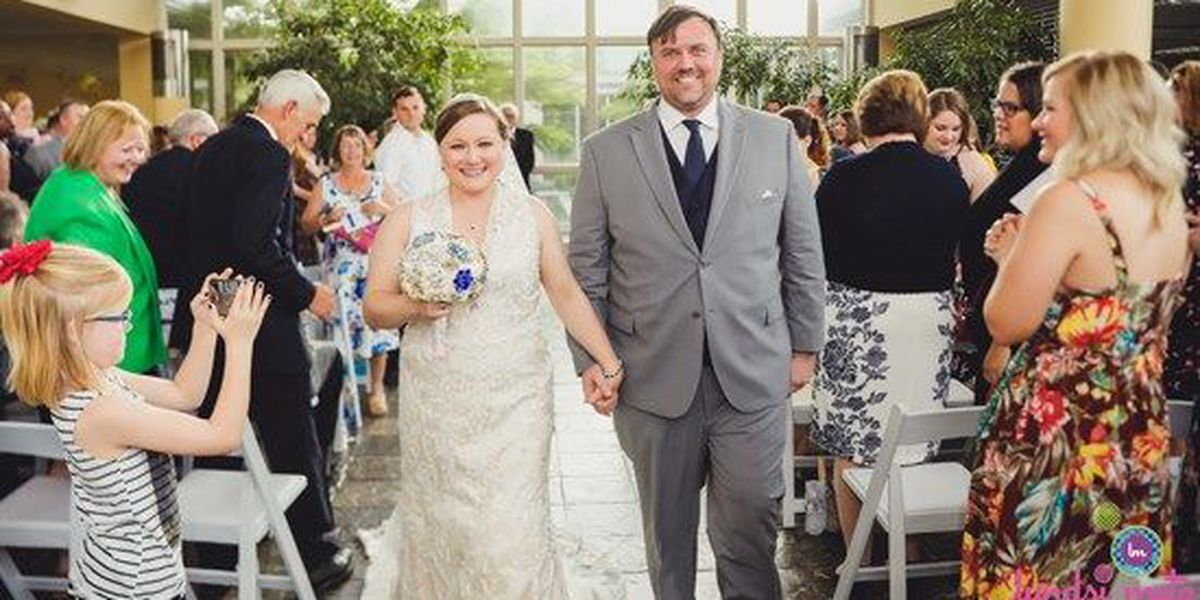 Botanic Garden hosts weddings during power outage