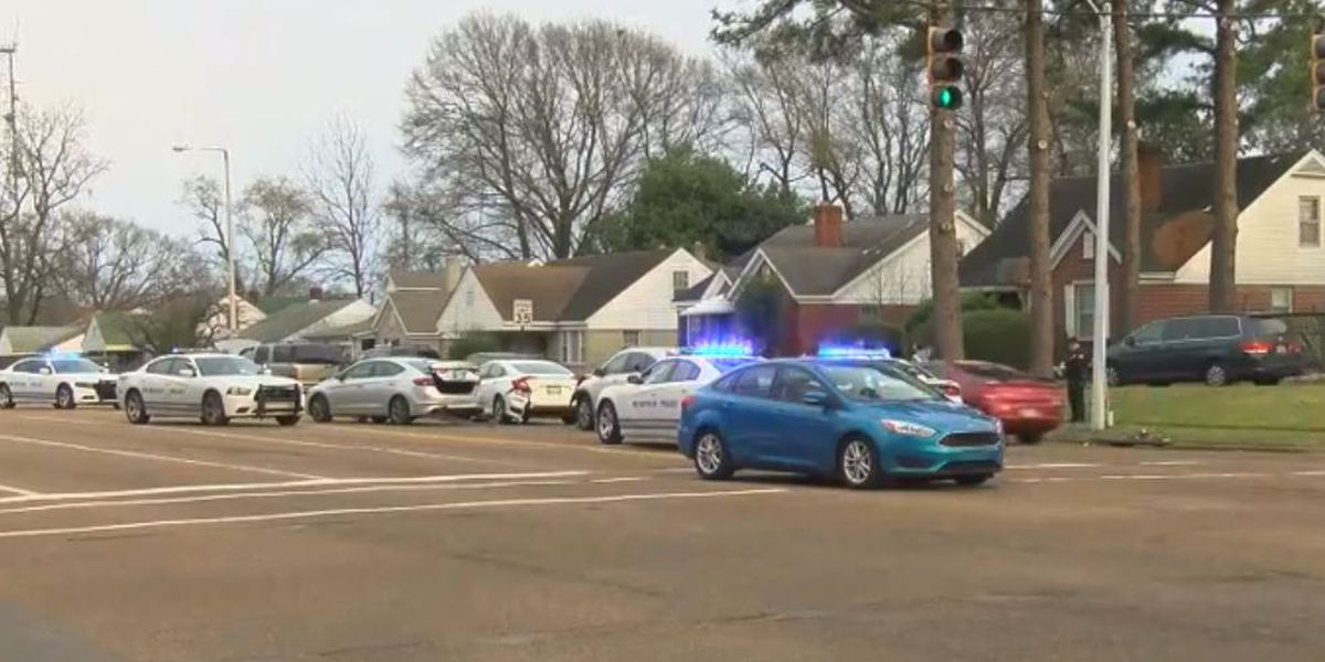 MPD responds to multiple-vehicle crash on Union Ave.