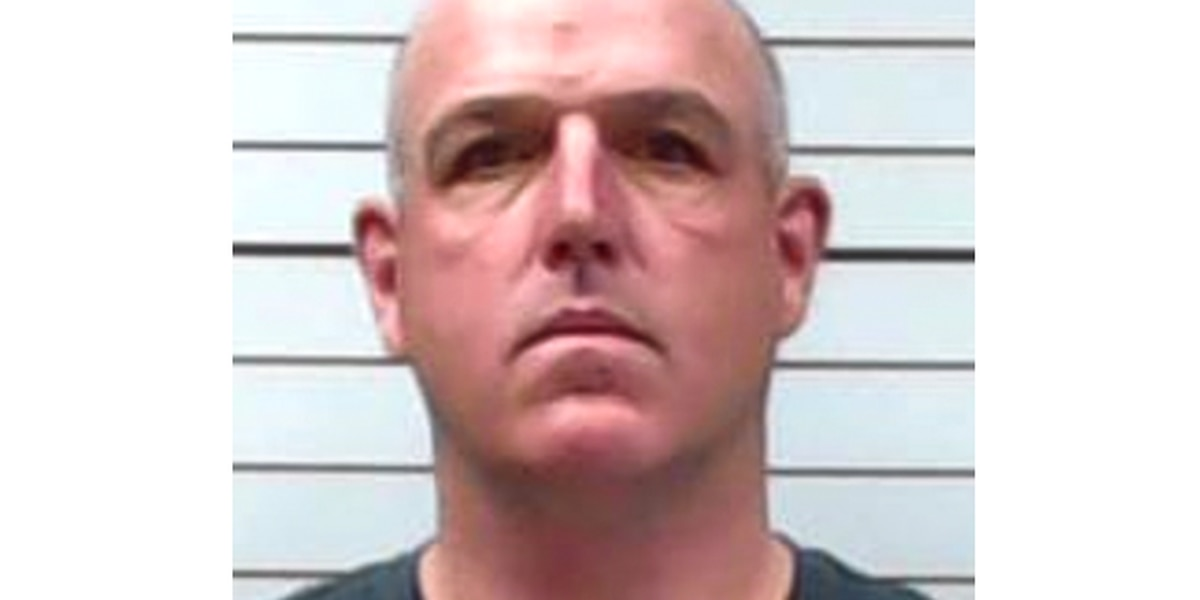Former Lee Co. Deputy indicted for threatening Sheriff