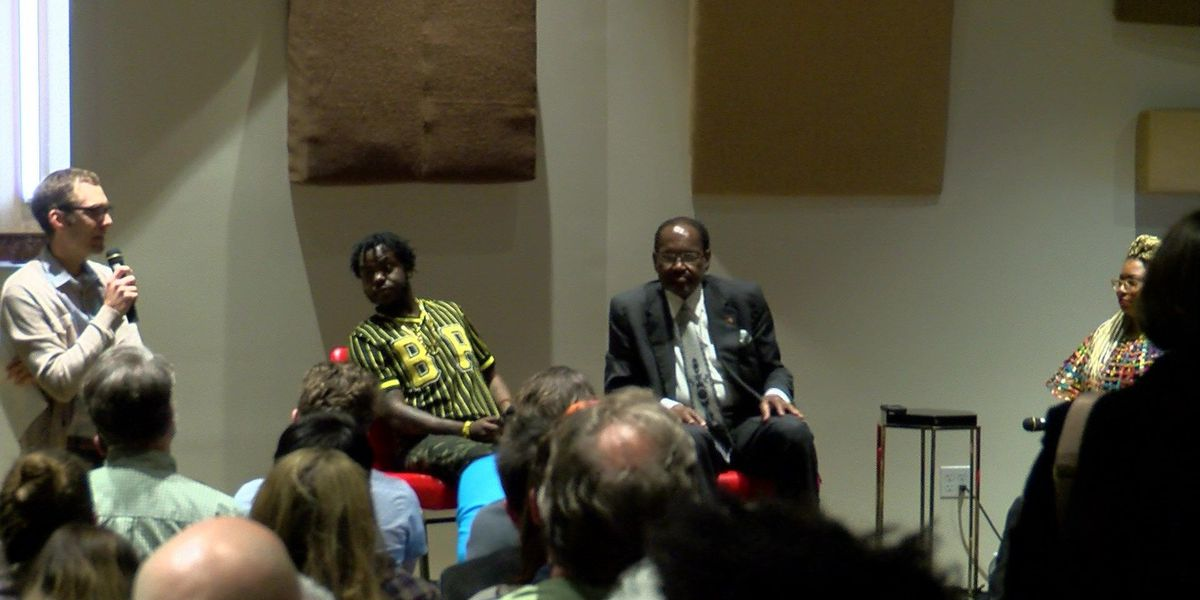 Music legends speak at Stax Museum