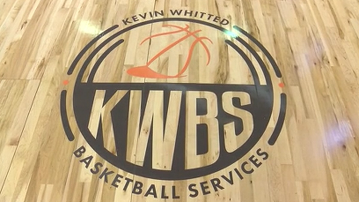 Former NBA and UT player opens new basketball center in Memphis