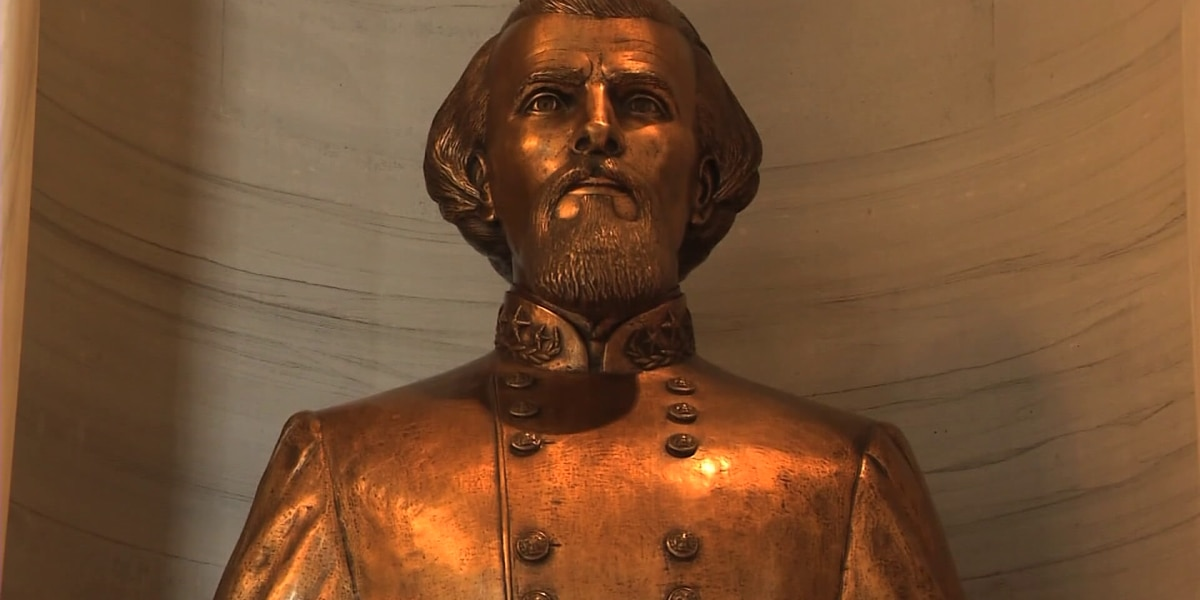 Tennessee state lawmakers vote to keep Nathan Bedford Forrest bust in capitol building